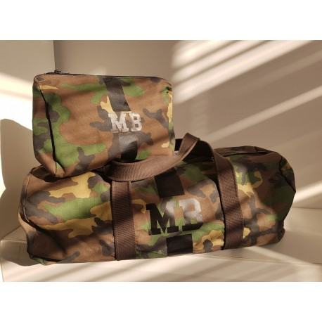 VÝHODNÝ SET - maskáčová taška válec + kosmetická taštička - černý pás