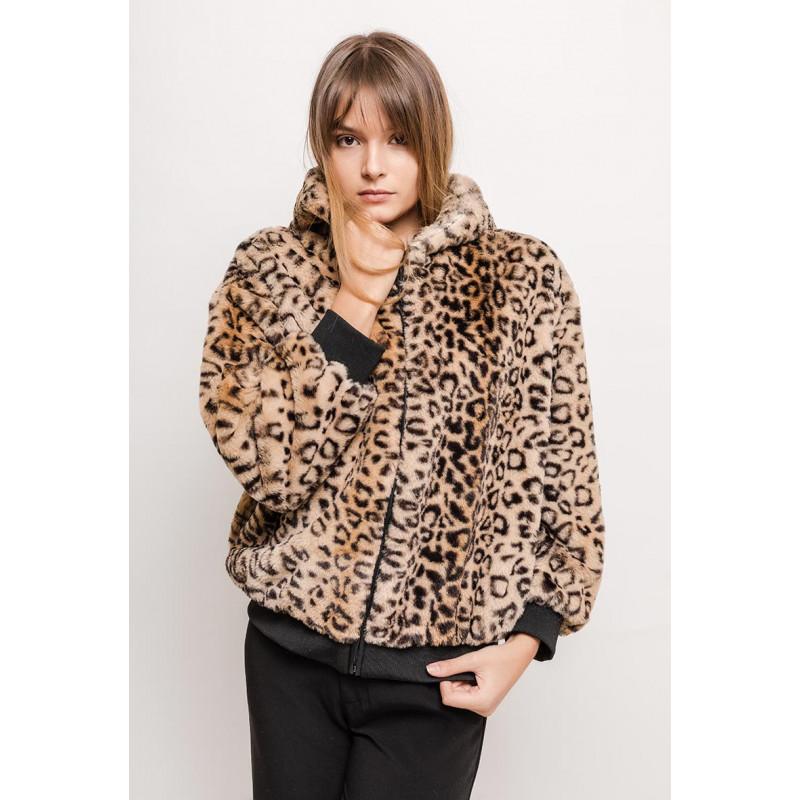 Dámský kožešinový kabát s kapucí ... dfca1300a59